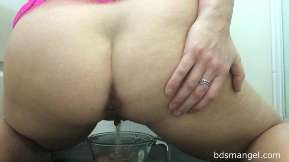 BDSMangel – Pee in Jug & Poop CLOSE up ($14.99 ScatShop)