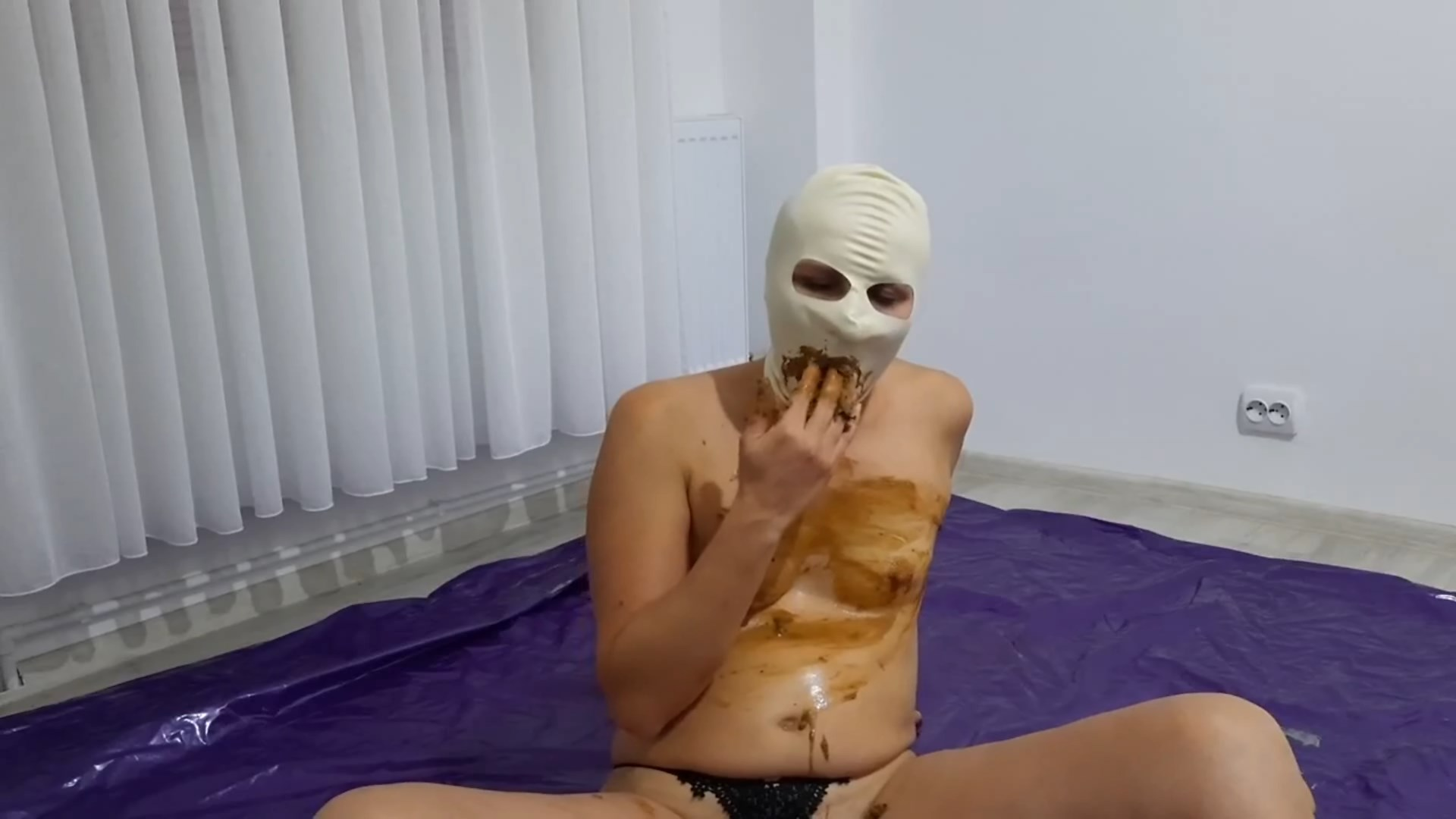 Dirtywife and husband full mouth with kaviar