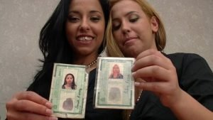Scat Real Sisters Proven In Documents - Daniela Ferraz (Nara Lemos) and Taline Ferraz